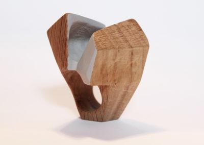 Fabrizio Bonvicini, Contemporary wood jewellery N. 187. Anello, legno di quercia, 2017. Foto Alessia Ballabio